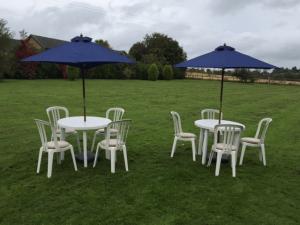 Outdoor-furniture-3-300x225-300x225 (1)